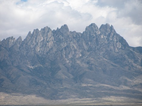 Organ Mountains 4/16/09 Looking Like a Painting...