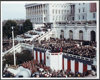 http3a2f2fmashable-com2fwp-content2fuploads2f20132f012freagan-inauguration-1981